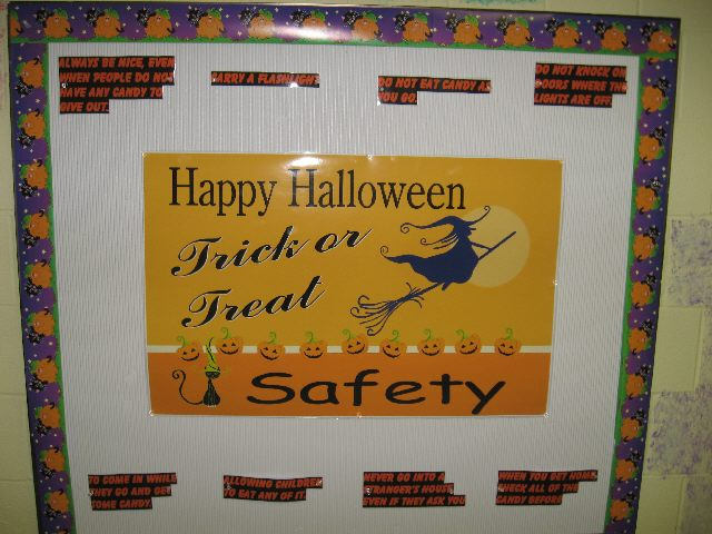 Trick or Treat Safety Image